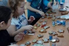 Warsztaty z pieczenia świątecznych pierniczków - klasa 3b